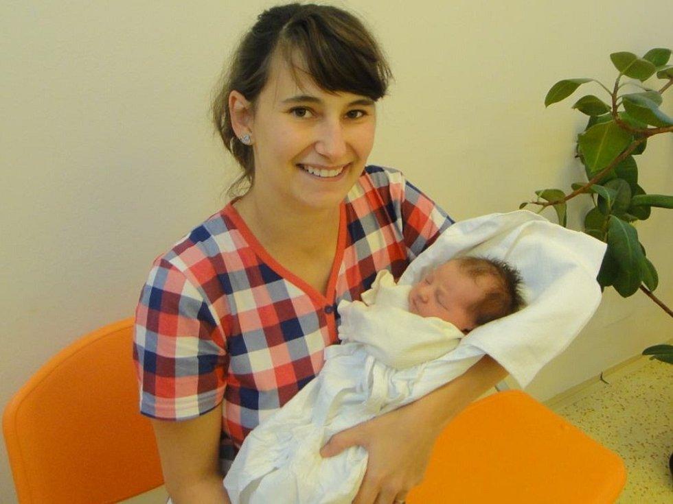 ANEŽKA DRAGOUNOVÁ, tak pojmenovali prvorozenou dceru  Daniela a Jiří Dragounovi z Kostelce nad Orlicí. Holčička se narodila 19. září 2017 ve 22:17 s váhou 2620 gramů a délkou 49 cm. Tatínek porod zvládl statečně a v pohodě.