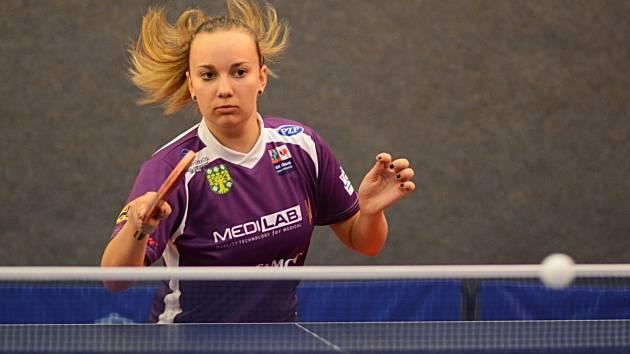 Doberská stolní tenistka Zdena Blašková (na snímku) vybojovala  v duelu s Hradcem Králové dva vítězné zápasy, ale z vítězství se radoval hostující tým z krajského města.
