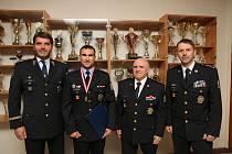 I policisté se mohou pochlubit sportovními úspěchy. Libor Netopil z Kostelce nad Orlicí se pyšní zlatem z mistrovství Evropy.