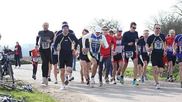 DOBRUŠSKÝ Triclub  pořádal  tradiční závod – Pulický duatlon. Na  tři desítky závodníků čekaly 4 kilometry běhu, 21 km na kole a další 3 km běhu.