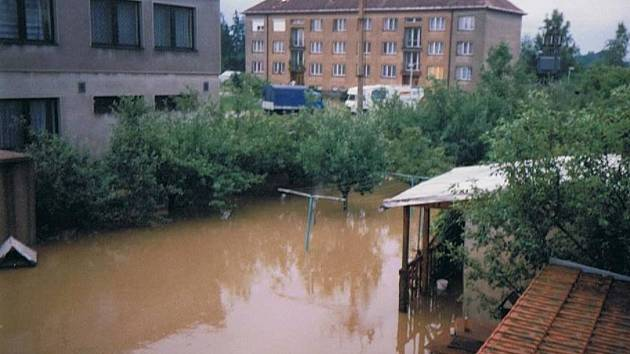 Velká voda se před 20 lety prohnala i malou obcí Čermná nad Orlicí.