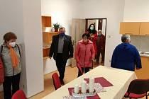 Z otevření nové klubovny pro seniory.