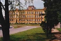 Obchodní akademie v Kostelci nad Orlicí.