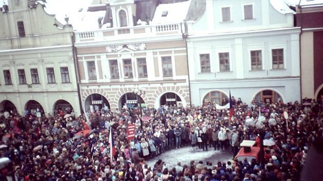 Rychnovské náměstí v roce 1989