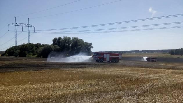 Požár strniště u Bolehoště.