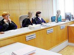 Pondělní soudní líčení vedla předsedkyně senátu okresního soudu Zuzana Ursová