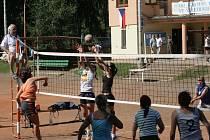 Čestice hostily 45. ročník národního finále vesnických a zemědělských družstev ve volejbalu