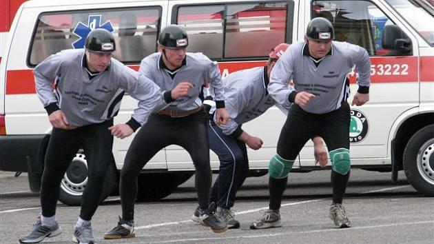 Závody dobrovolných hasičů v Opočně.