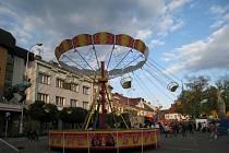 Tradiční Kostelecká pouť na Palackého náměstí v Kostelci nad Orlicí přilákala davy návštěvníků.