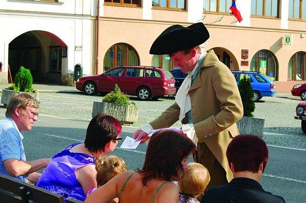 F.  L. Věk  alias Pavel Štěpán ve filmovém kostýmu.