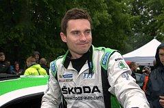 SPOKOJEN se svým návratem do seriálu mistrovství světa v automobilových soutěžích může být tovární jezdec Škody Jan Kopecký (na snímku) z Kostelce nad Orlicí.