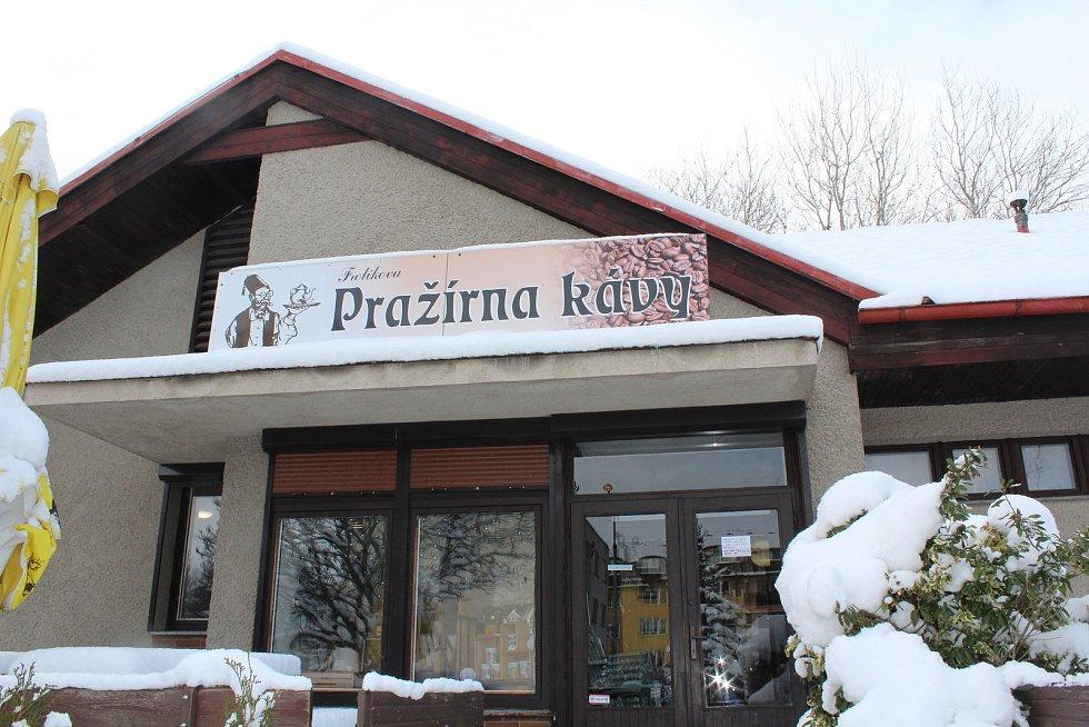 Frolíkova pražírna kávy v Borohrádku.