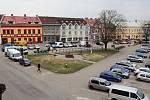 Současná podoba náměstí v Týništi nad Orlicí.