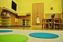 U příležitosti 25. výročí od založení školy si ZŠ Mozaika v Rychnově nad Kněžnou nadělila dětskou skupinu Kamínek, která je určena dětem od tří let do zahájení školní docházky.