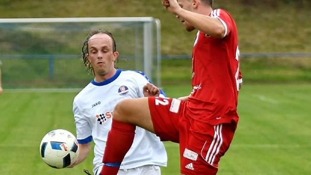 Dvě branky vstřelil do chlumecké sítě střídající kostelecký hráč Lukáš Šrámek.
