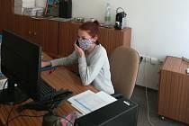 Na krizové lince Rychnova nad Kněžnou pomáhali na jaře studenti gymnázia.
