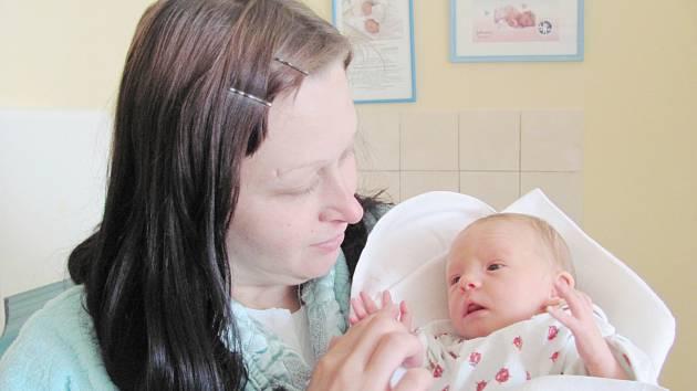 ELIŠKA VONDRÁČKOVÁ: Rodiče Andrea Hulíková a David Vondráček z Doudleb nad Orlicí přivedli na svět dceru. Narodila se 31. 7. v 9.01 hodin s váhou 2,30 kg. Tatínek byl u porodu velice statečný. Na sestřičku se doma těšil Otakar.