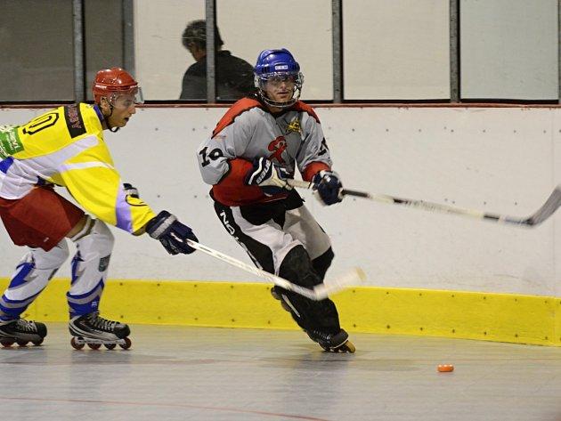 Třetí výhra. Lídr Rychnovské inline hokejové ligy HC Rychnov A potvrdil v utkání s posledním týmem HC Býci Lípa nad Orlicí roli favorita  a jasně zvítězil 14:5.