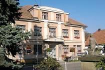 Obecní dům Chleny