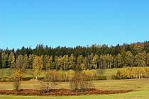 Turistický výlet nazvaný Z Těchonína do Letohradu absolvovalo 26 odvážlivců. Podzimní počasí výletníkům přálo.