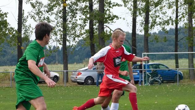 BLESKOVÝ GÓL. Ohnišovský Patrik Kratěna (na snímku) otevřel skóre utkání s B-týmem Dvora Králové již v první minutě.