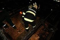 Požár v sušárně dýh dřevařské společnosti v Solnici.