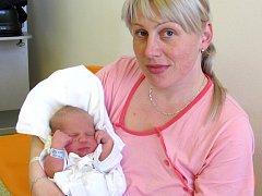 JAKUB CHODÚR a se narodil 15. března ve 12.37  hodin Iloně a Jakubovi z Čestic. Vážil 3900 g a měřil 50 cm.Doma jej čeká Natálka a Amálka, Tatínek byl  porodu velkou oporou.