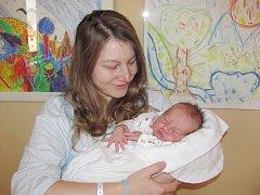 VERONIKA TÁZLAROVÁ se narodila 3. listopadu ve 12.30 hodin rodičům Lence Slavíkové a Jakubu Tázlarovi z Nového Města nad Metují. Po narození vážila 3,42 kg.