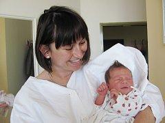 NELA KOVAŘÍČKOVÁ: Manželé Monika a Tomáš Kovaříčkovi z Vojenic přivedli na svět dceru. Narodila se 4. 11. ve 17.27 hodin s váhou 3,20 kg a délkou 47 cm. Tatínek byl mamince velkou oporou.