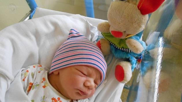 Patrik Stiller přišel na svět 22. října 2018 v 9.27 hodin, vážil 3 180 g a měřil 49 cm. Radují se z něho rodiče Klára a Patrik Stillerovi z Černíkovic i sestřička Anička. Tatínek byl u porodu pro maminku velkou oporou.
