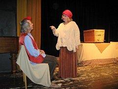 Prázdninové pohádkové pátky na nádvoří Pelclova divadla.