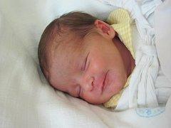 BÁRA ČERVENÁ se narodila 7. 7. v 9.36 hodin manželům Barboře a Tomášovi Červeným z Kostelce nad Orlicí. Po narození vážila 2,35 kg a měřila 46 cm. Doma se na malou sestřičku těšil Tomáš. Tatínek to u porodu zvládl na výbornou a byl hodně velkou oporou.