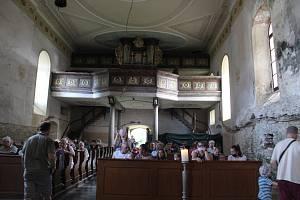 Z mimořádné prohlídky kostela.
