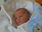 MATĚJ MACH se narodil 12. dubna v 17:05  Martině Machové a Janu Hlaváčkovi z Týniště nad Orlicí. Chlapeček vážil 3350 gramů a měřil 50 cm. Porod byl tak rychlý, že tatínek dorazil, když už bylo po všem. S mladším bráškou rodičům určitě pomůže syn Filip.