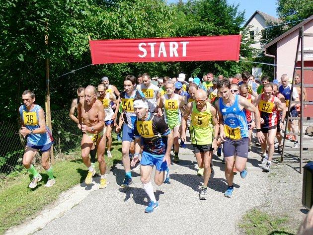 Přespolní běh areálem zdraví v Cháborách.
