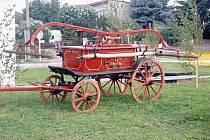 Ruční potahová stříkačka z roku 1887. Ta byla na svou dobu velice výkonná a účinná, ačkoliv byla poháněna pouze lidskou silou. K vidění je v hasičské zbrojnici v Ličně.