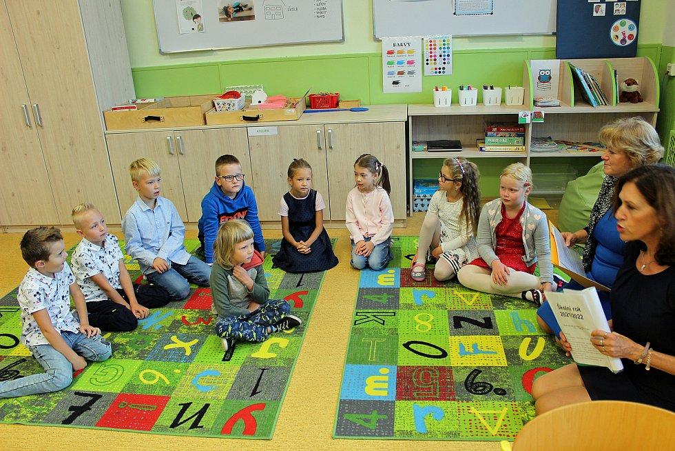 Žáci na rychnovsku zasedli do školních lavic, některé poprvé
