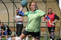 NEJLEPŠÍ STŘELKYNÍ Dobrušky v utkání s Přešticemi byla Andrea Henclová (na snímku), která zaznamenala devět gólů