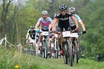 Osmý ročník závodu horských kol Stalak Bike Cup přilákal do Rychnova nad Kněžnou rekordní počet 136 závodníků. Prvenství v hlavním závodě mužů obhájil Michal Kaněra (č. 1).