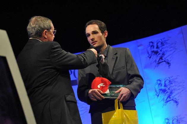 NEJÚSPĚŠNĚJŠÍM SPORTOVCEM Rychnovska roku 2012 se stal český reprezentant v trialu Martin Křoustek.