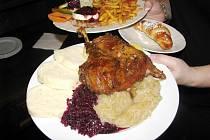 Jedla se hlavně pečená husa a pilo se víno