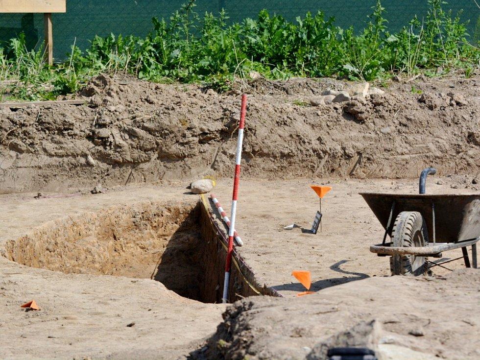Den otevřených dveří u archeologů v Černíkovicích.