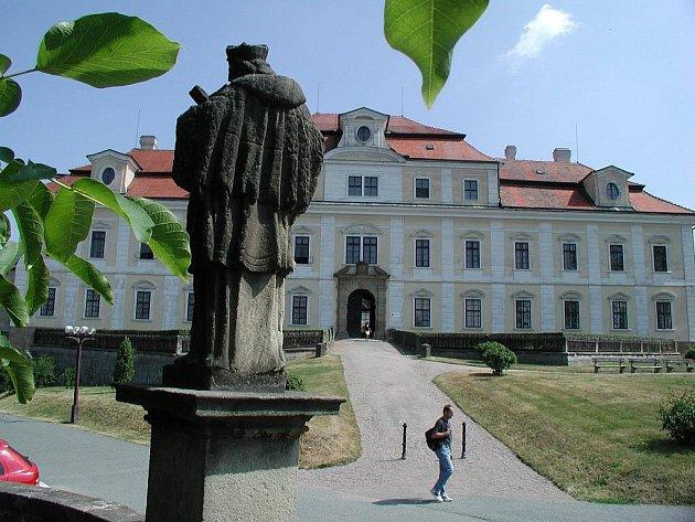 Zámek Rychnov n. K.