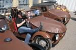 První setkání příznivců vozítek zn. Velorex v Solnici s křtem knihy Velorex Ivo Fajmana.
