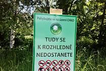 Neotevřené rozhledny lákají, turisty zákaz nezastaví.