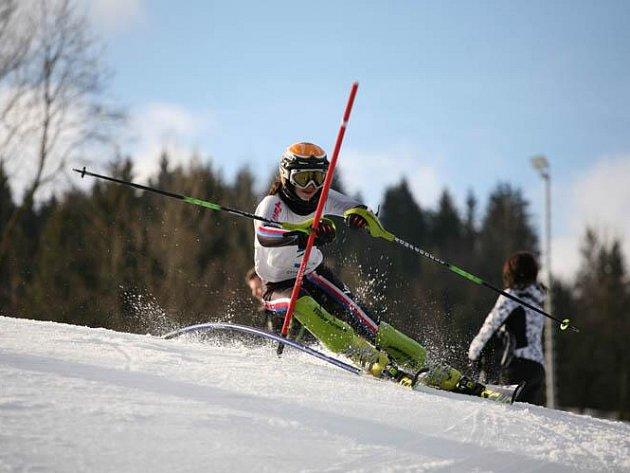 LUCIE RYDLOVÁ si výborně poradila s nástrahami slalomové tratě a na stupních vítězů ji patřila bronzová pozice
