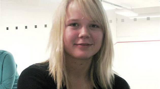 Michaela LEPKOVÁ (17 let) hraje tenis, sport rovněž patří k jejím koníčkům. Chce si rovněž upravit režim, stanovit pravidelný řád, a to především ve stravě.
