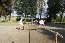 Posvícenecký turnaj v nohejbale v Ledcích.