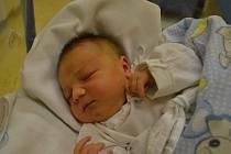TOMÁŠ KOČÍ  se narodil mamince Michaele a tatínkovi Lukášovi Kočím z Dobrušky. Na svět přišel 6. listopadu v 19:02 s váhou 3940 gramů a délkou 50 cm. Tatínek byl u porodu ohromnou oporou.