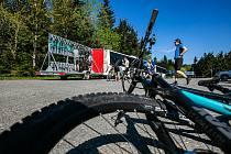 Cykloturisté v Orlických horách